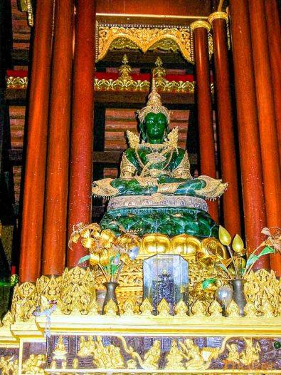Emerald_Buddha-2